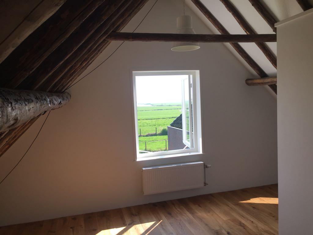 Ransdorp - raam op zolder